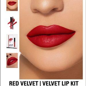Kylie Cosmetics Red Velvet Lip Kit 💋